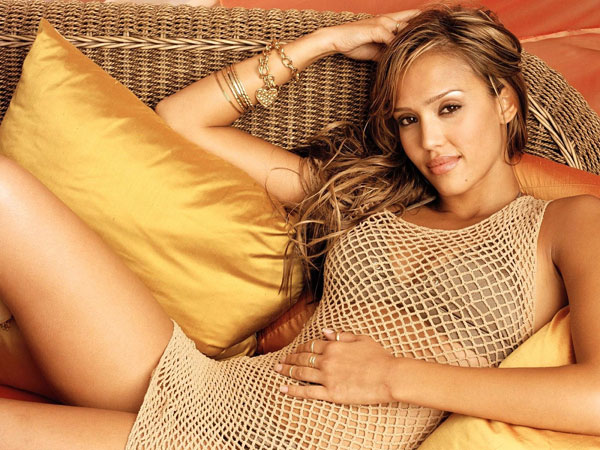 reportaje maxim 30 Jessica Alba Hairstyles Which Are Hot
