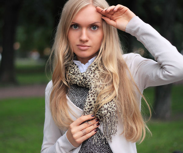 valentina 30 Spectacular Long Blonde Hairstyles