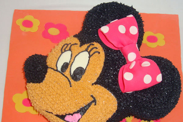 mini mouse cake 30 Staggering Pictures of Baby Shower Cakes