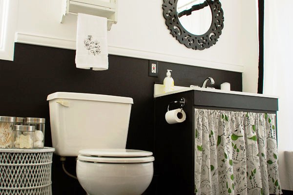 graceful bathroom decor - Red White And Black Bathroom Decor