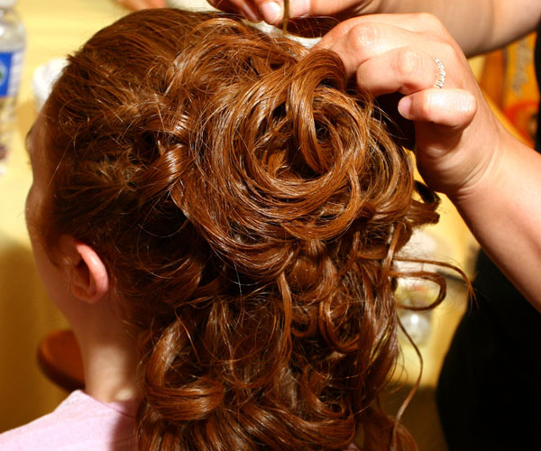 pretty wedding hairstyle 25 Phenomenal Wedding Hairstyles Down