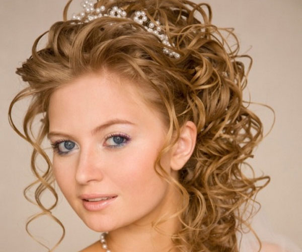 Swell 30 Tempting Wedding Hairstyles Half Up Slodive Hairstyle Inspiration Daily Dogsangcom