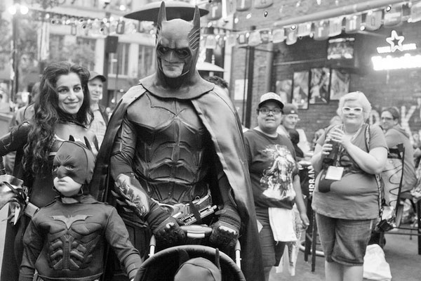 batman family 35 Awesome Batman Pictures