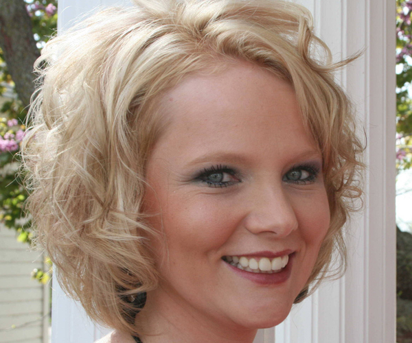 Wondrous 30 Spectacular Curly Bob Hairstyles Slodive Hairstyle Inspiration Daily Dogsangcom