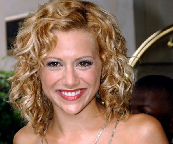 Admirable 30 Spectacular Curly Bob Hairstyles Slodive Hairstyle Inspiration Daily Dogsangcom