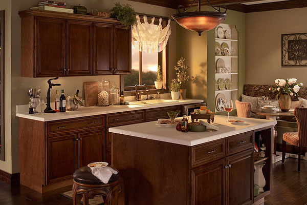 Stunning Traditional Kitchen with Dark Cabinets 600 x 400 · 63 kB · jpeg