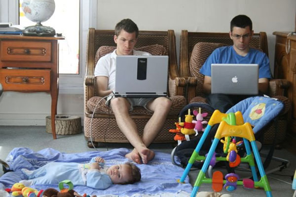 when men babysit 50 Hilarious Pictures Which Are Drool Worthy