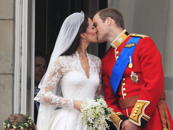 The Royal Couple Kiss