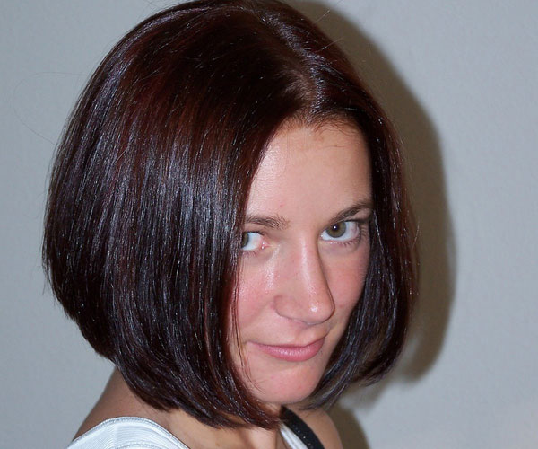 hair styles for short women layered hairstyle images frompo 4485 | brunette