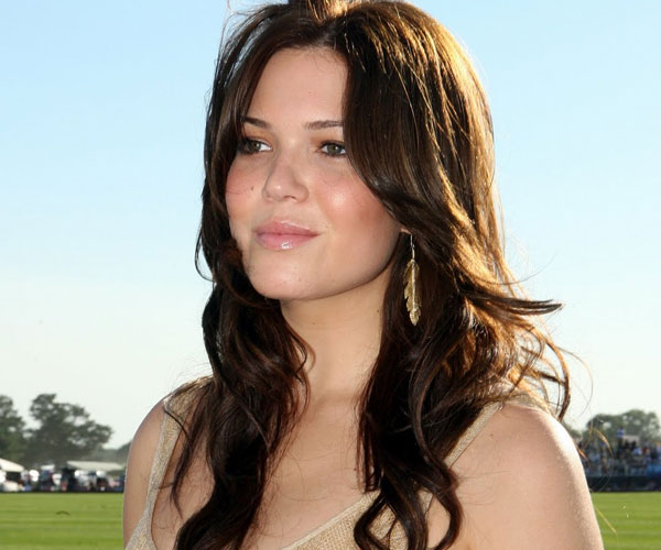 polo challenege 30 Sexy Mandy Moore Hairstyles
