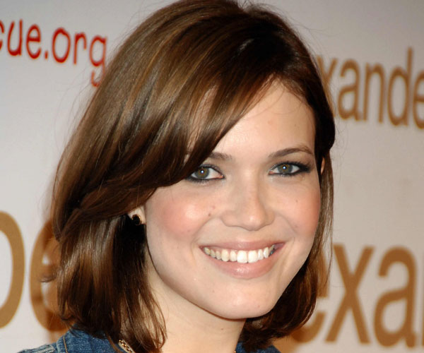 simple bob 30 Sexy Mandy Moore Hairstyles