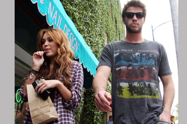Miley Cyrus Busy
