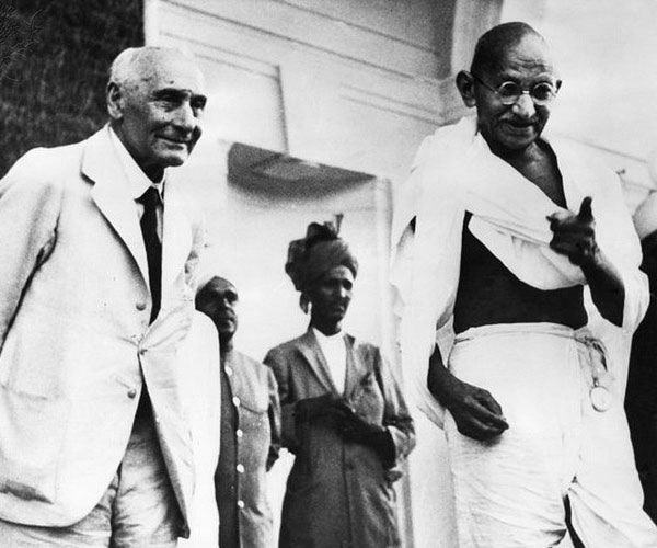 mahatma gandhi 30 Marvelous Pictures of Famous People