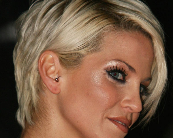 sarah harding 30 Superb Short Hairstyles For Women Over 40