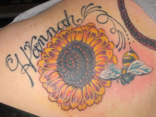 bee and sunflower 35 Tremendous Sunflower Tattoo Designs