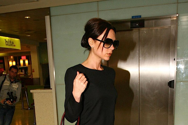 posing lady 35 Astounding Victoria Beckham Hairstyles