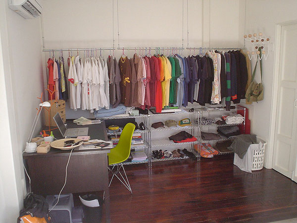 . where to hang clothes without closet   Loris Decoration