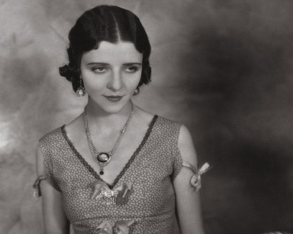 Elegant 1920s Look