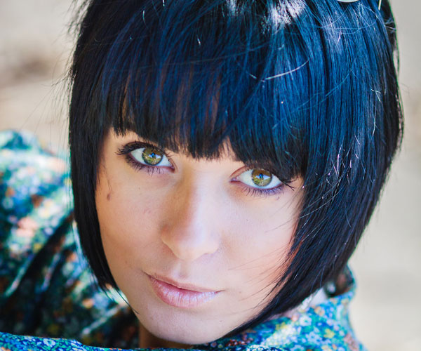blue highlight 30 Drool Worthy Bob Hairstyles With Bangs