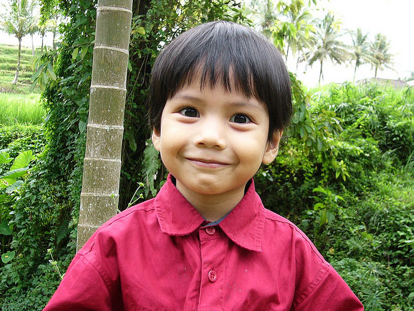 smiling kid 30 Mind Blowing Hairstyles For Kids