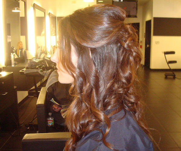 30 Astounding Half Up Hairstyles Slodive