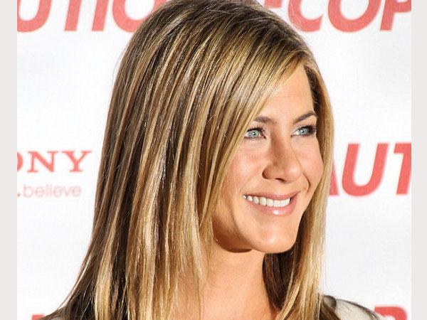beautiful simile 40 Exciting Jennifer Aniston Pictures