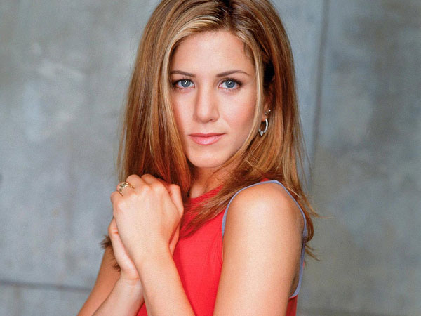 jennifer aniston red 40 Exciting Jennifer Aniston Pictures