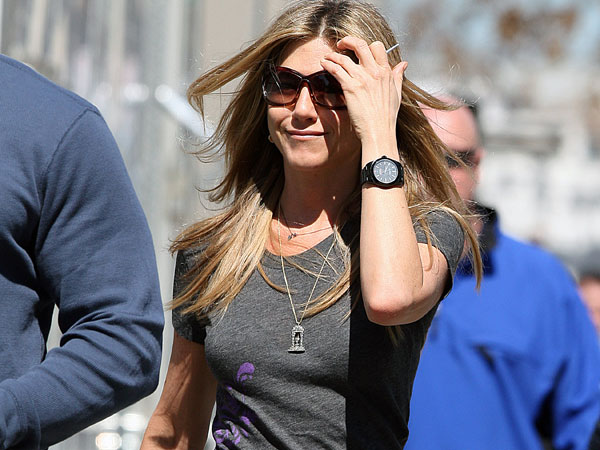 layered hair 40 Exciting Jennifer Aniston Pictures