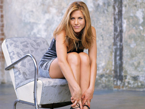 modeling pic 40 Exciting Jennifer Aniston Pictures