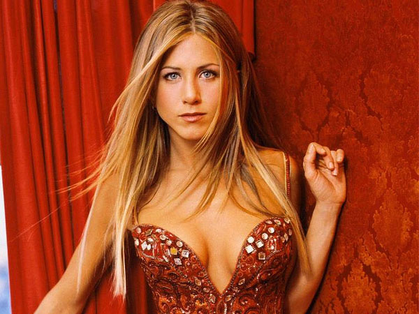 red hot bikini 40 Exciting Jennifer Aniston Pictures