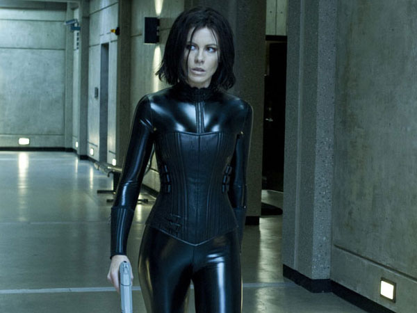 http://slodive.com/wp-content/uploads/2012/08/kate-beckinsale-pictures/underworld.jpg