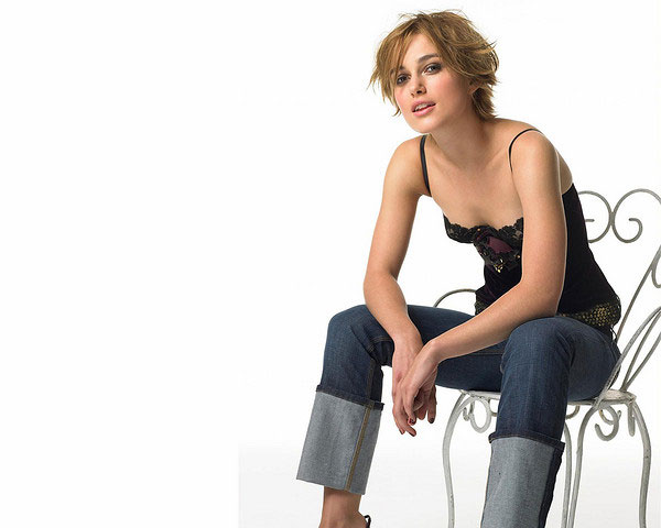 messy hairstyle 25 Encouraging Keira Knightley Short Hair