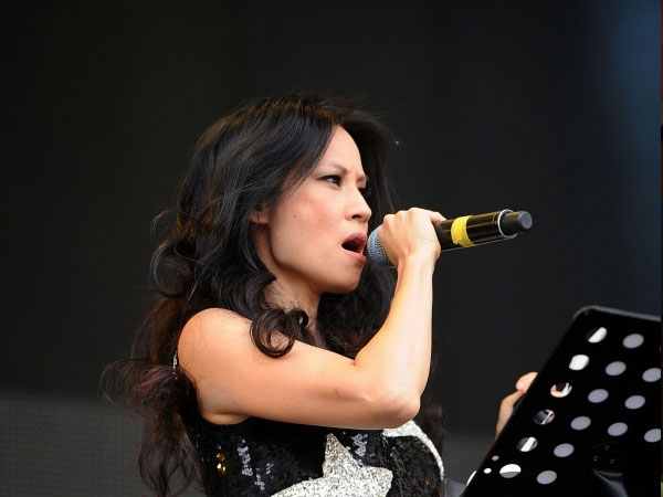 lucy liu singing 30 Groovy Lucy Liu Pictures