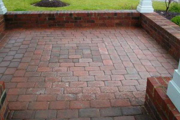 small squarish area of interlocking pavers pretty patio - Paver Patio Design Ideas