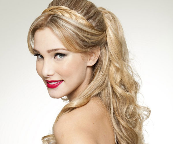 curled hairstyle 30 Magnificent Princess Hairstyles
