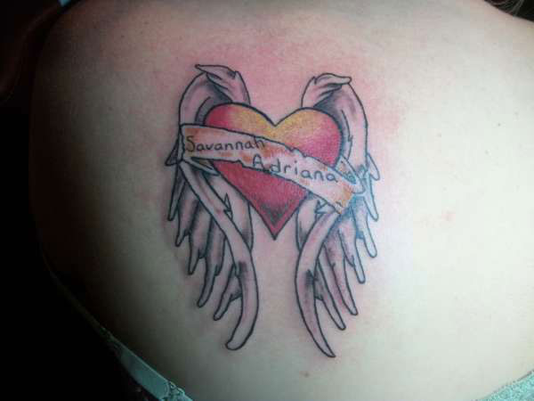25 Fantastic Simple Heart Tattoos Slodive