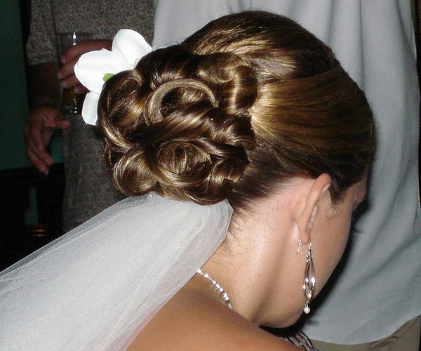 35 drool worthy updos for weddings slodive knotty chignon junglespirit Image collections