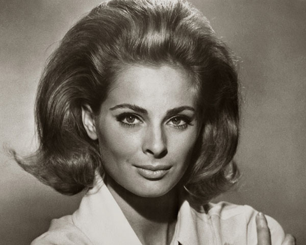 Hairstyles In The 60s : 30 Stunning 60s Hairstyles - SloDive
