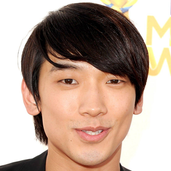 Layers Asian Men Hairstyle