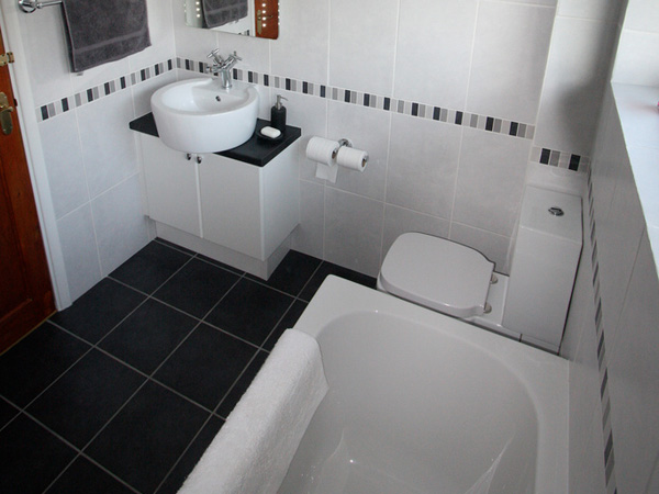 Black And White Bathroom Design