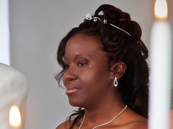 Fine 25 Arresting Black Wedding Hairstyles Slodive Hairstyle Inspiration Daily Dogsangcom
