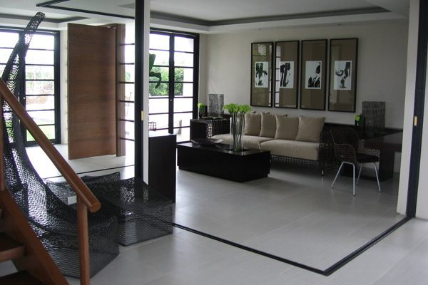Sober Contemporary Living Room