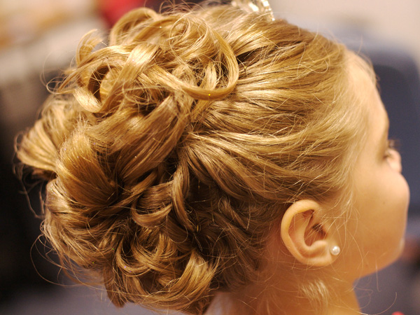 Excellent 25 Pretty Curly Updo Hairstyles Slodive Short Hairstyles Gunalazisus