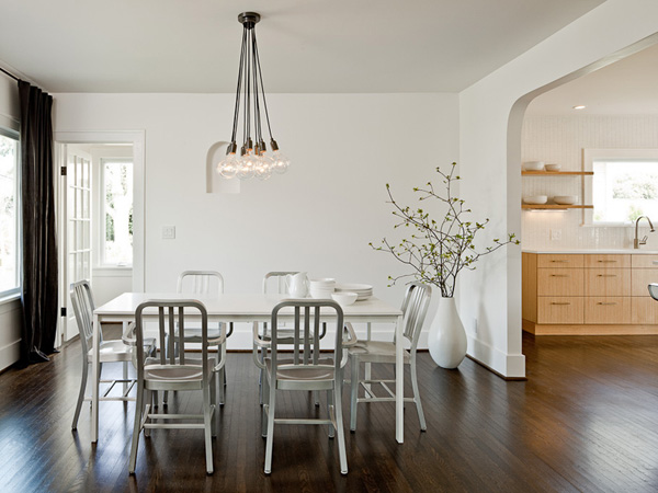 dark and white - Dark Wood Dining Room Decorating