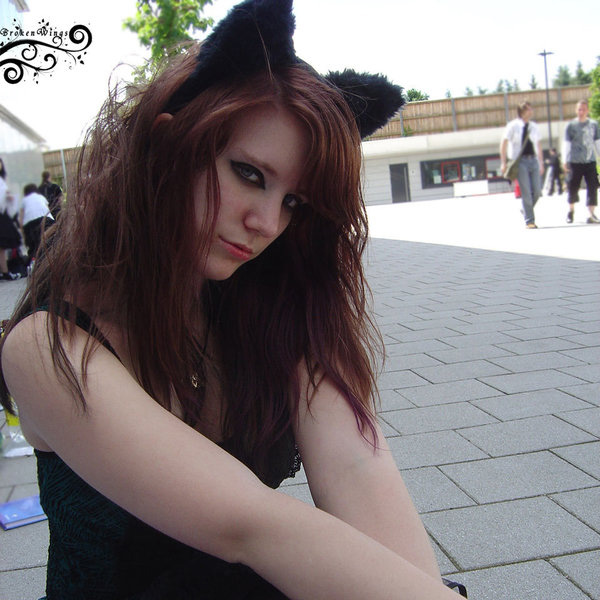 gothic cat 25 Terrific Gothic Hairstyles