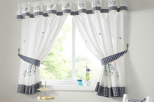 Homemade Kitchen Curtain Idea