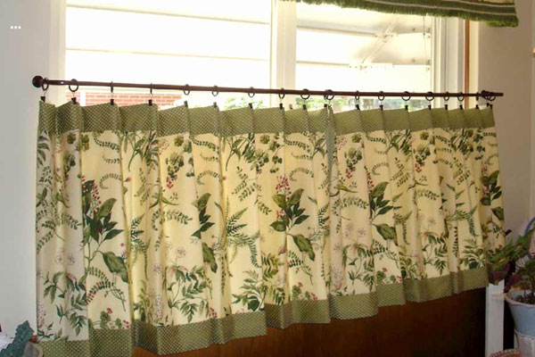 Leafy Kitchen Curtains