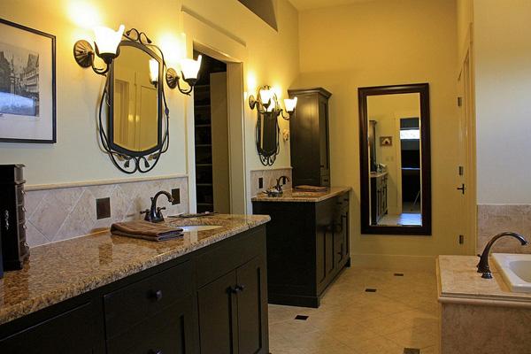 A Roomy Bathroom