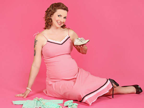 pin up maternity 35 Awe Inspiring Maternity Picture Ideas