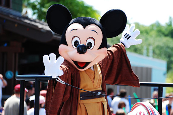 jedi mickey 25 Lovely Mickey Mouse Pictures